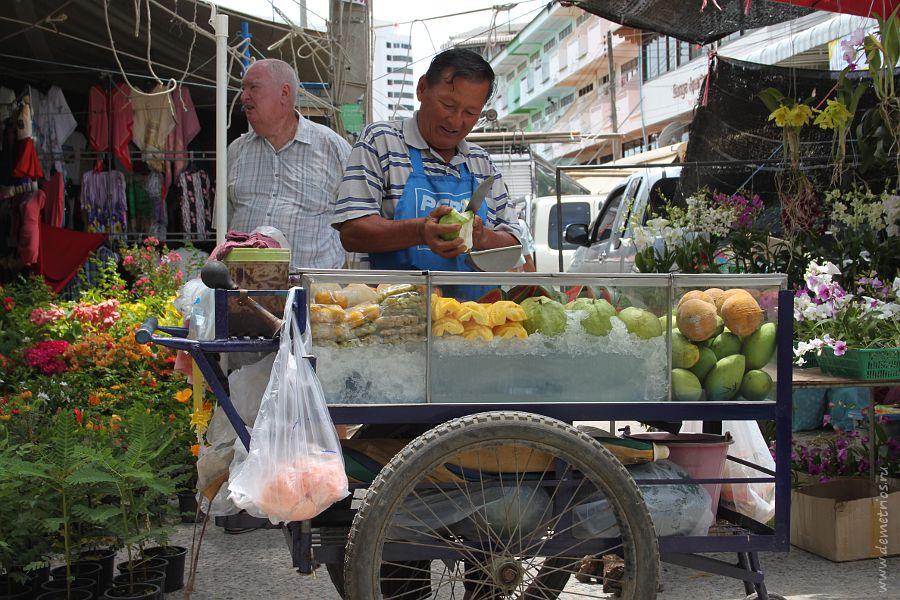 Fruits Pattaya Friday Market
