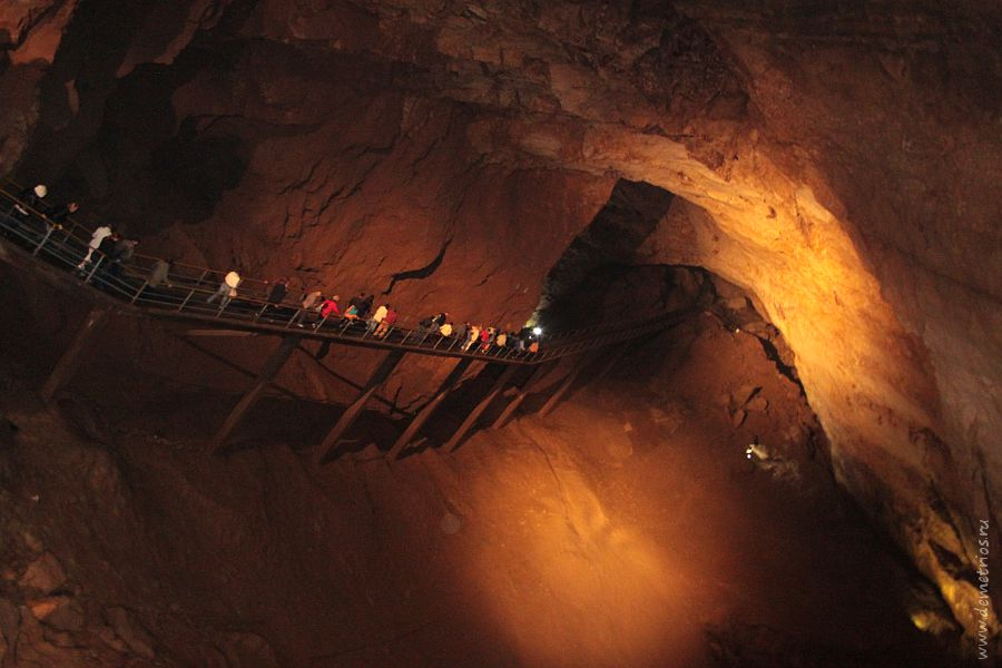 Анакопийская Новоафонская пещера Абхазия