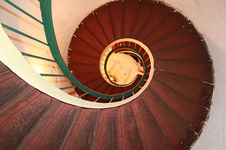 Винтовая лестница маяка Гамова, Хасанский район, Приморский Край