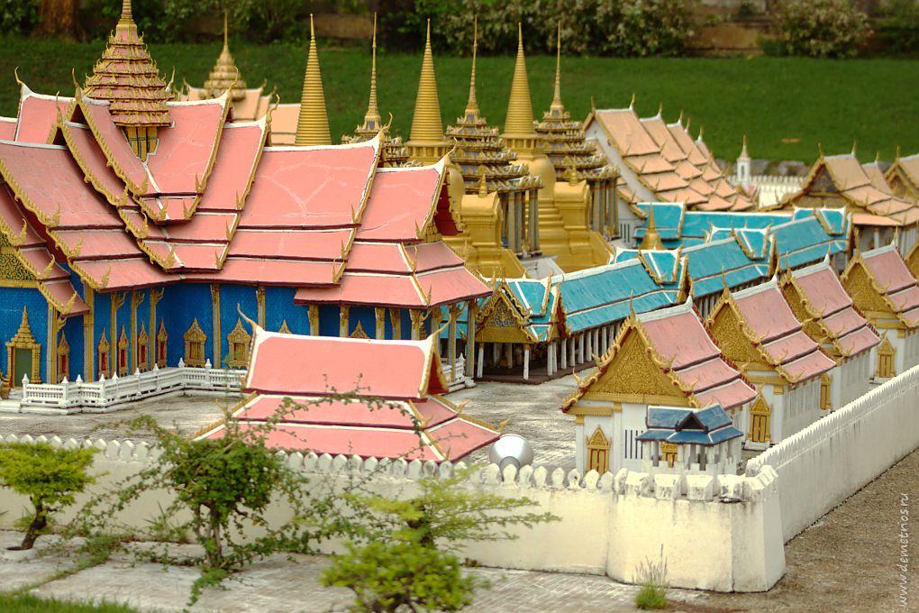 Копия Храма Изумрудного Будды в парке Mini Siam, Паттайя