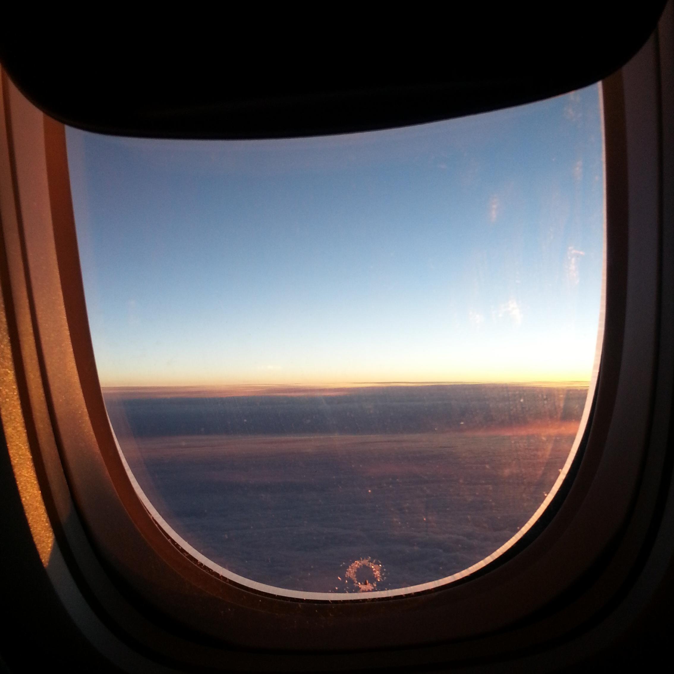 полярный день, вид из самолета