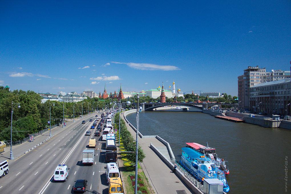 Москва. Кремль с Патриаршего Моста. Москва-река