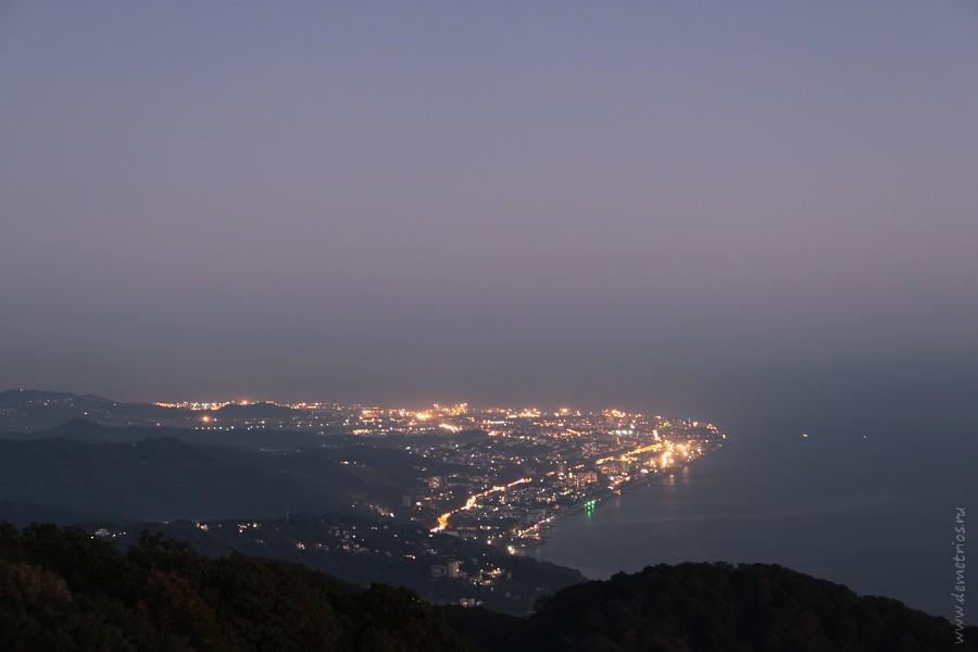 Сочи: Вечерний Адлер со смотровой башни на горе Ахун