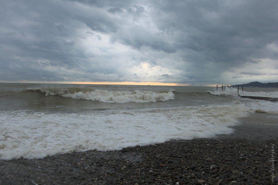 Побережье Черного моря в Адлере