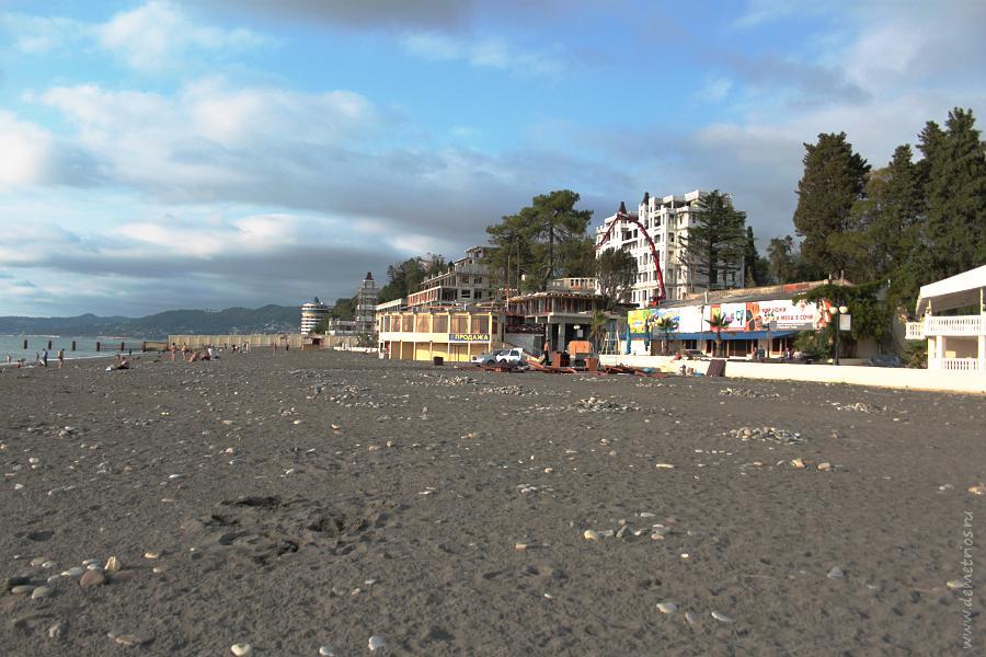 Городской пляж Ривьера в Сочи