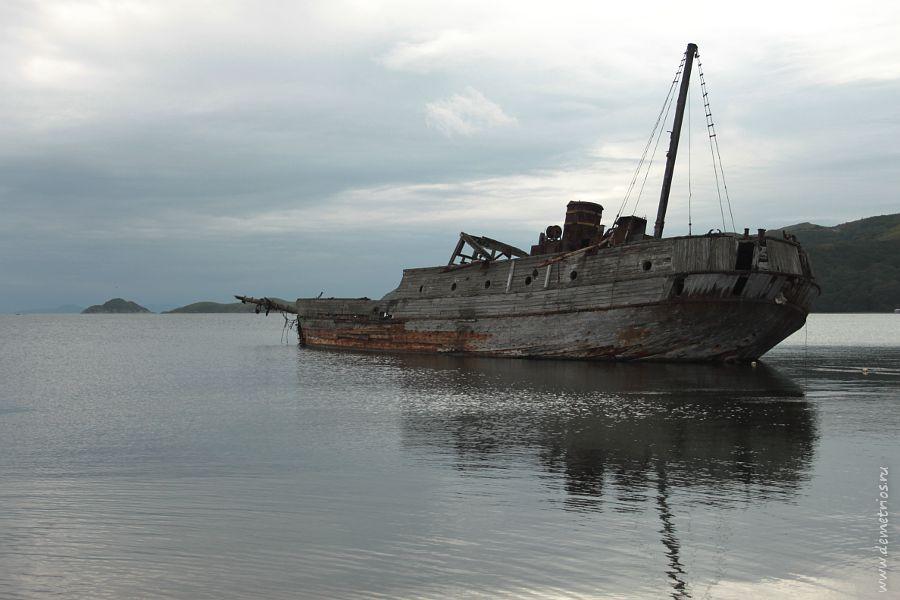 Затонувший корабль, Бухта Витязь, Залив Посьета, Хасанский район, Приморский край