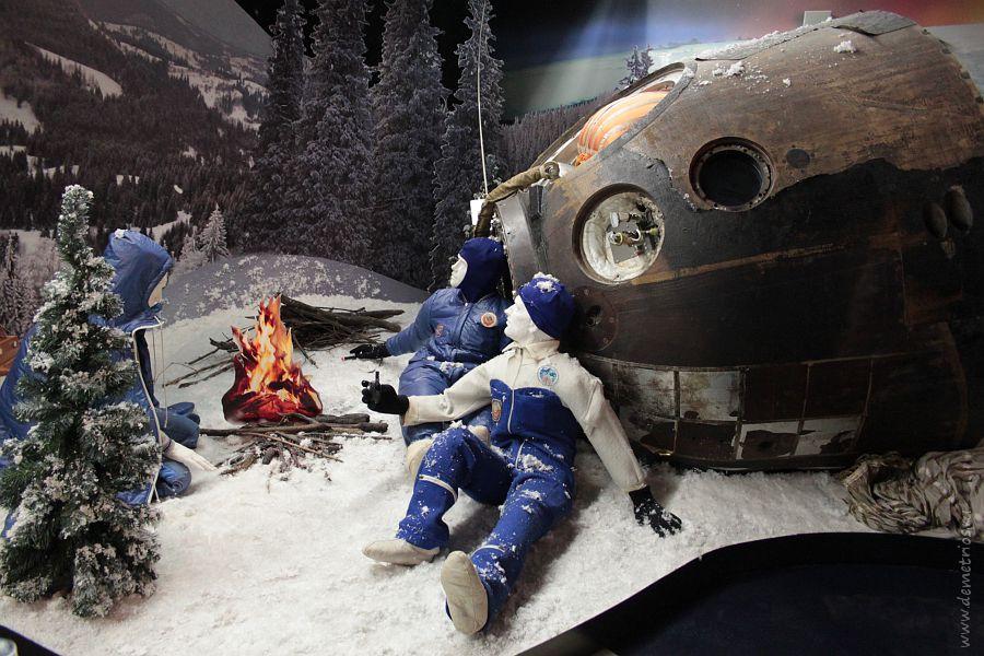 Спускаемый аппарат космического корабля Союз ТМ-7, музей космонавтики, Москва