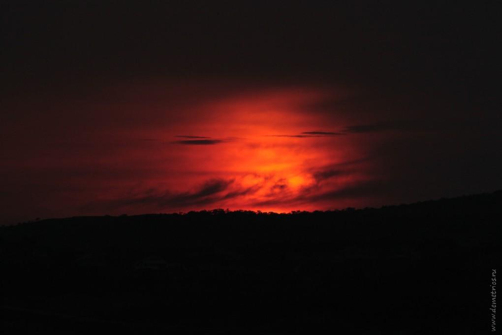 Инферно закат над бухтой Троица, Залив Посьета, Приморский край