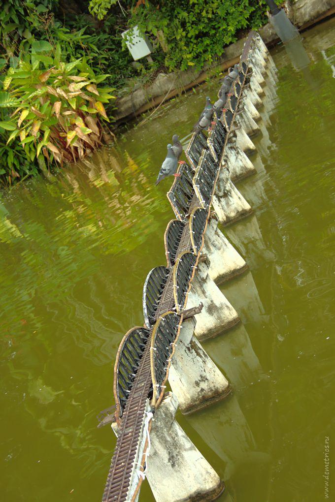Копия моста через реку Квай в парке Mini Siam, Паттайя