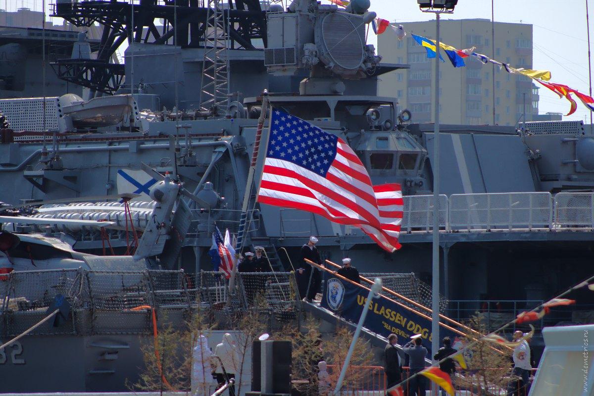 """Владивосток. Ракетный эсминец ВМС США """"Лассен"""" (Lassen)"""