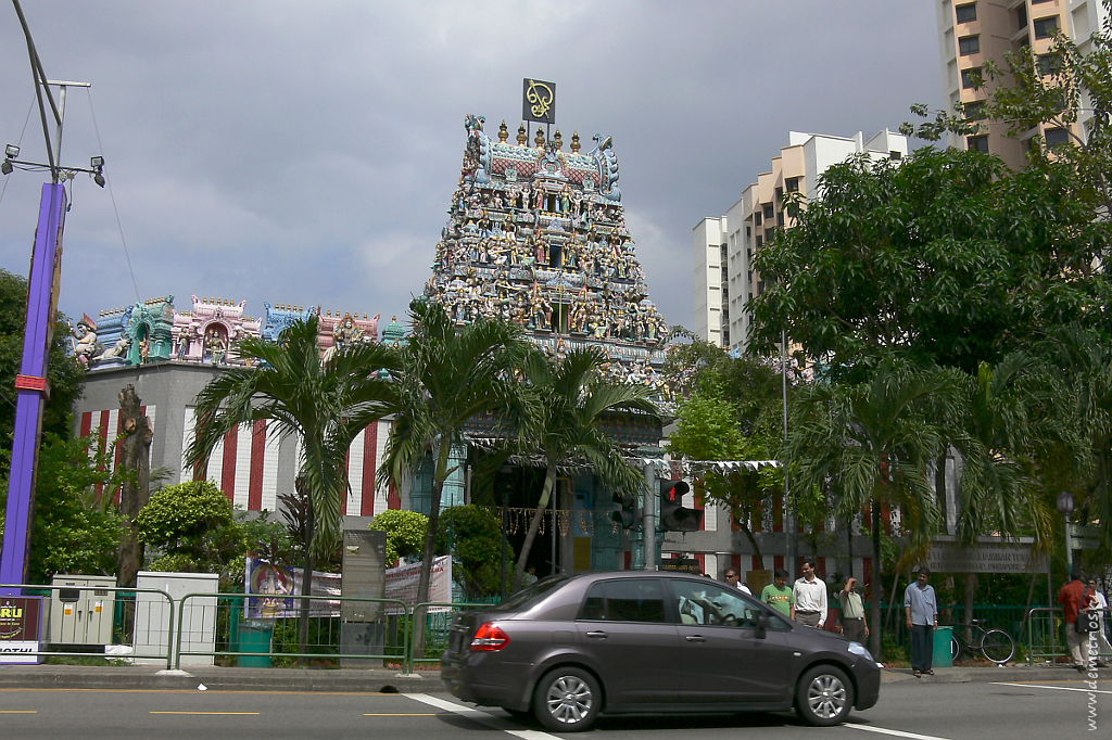 Сингапур. Маленькая Индия. Храмы и модерн. Singapore Little India. Hinduist temple and modern
